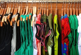 closet-clothes-donate-600