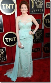 SAG13-ellie-kemper-Reem Acra Neil Lane Jewels Swarovski Clutch