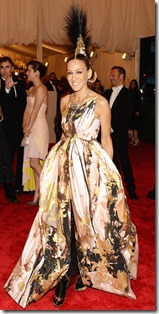 050713-met-ball-sjp-Giles gown Philip Treacy headpiece