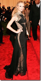050713-met-ball-taylor-swift-J Mendel